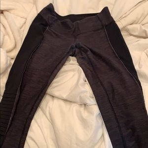 Lululemon leggings with ripples on sides